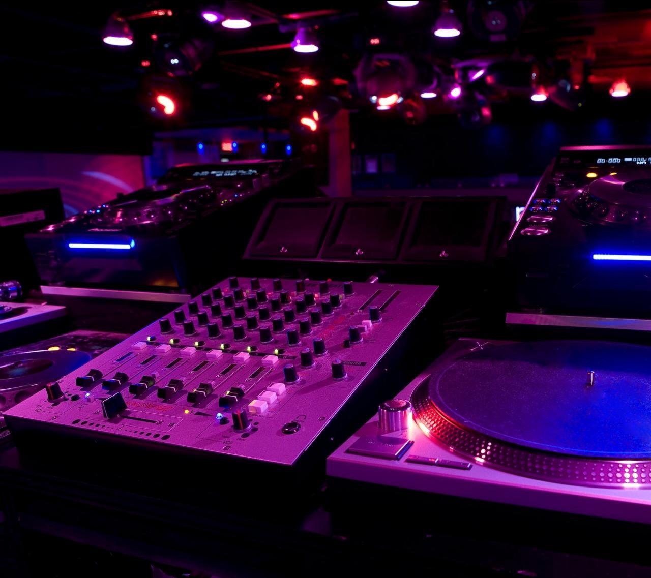 2160x1920 Music DJ Colorful. Wallpaper 384396